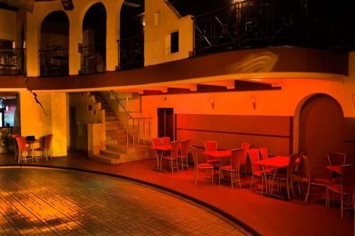 Ночные клубы колизей как себя вести в ночном клубе